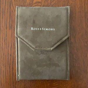 Ross Simons neckless case